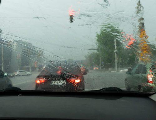 Vďaka tomuto jednoduchému triku môžete dať zbohom otravnému zahmlievaniu okien na vašom aute